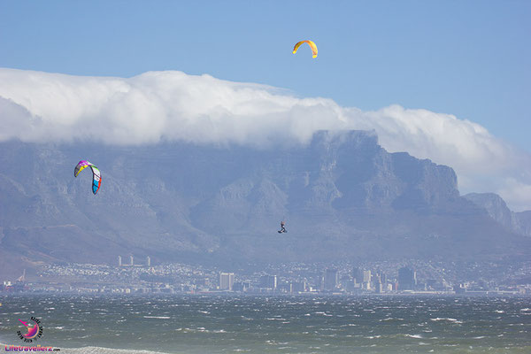 Big Air in Blouberg vor Lions Head