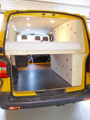 VW T5 Bus selbstausbau zum Campingmobil
