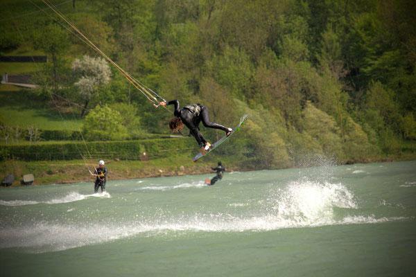 Kitesurfing Lago di Santa Croce, Veneto, Italien