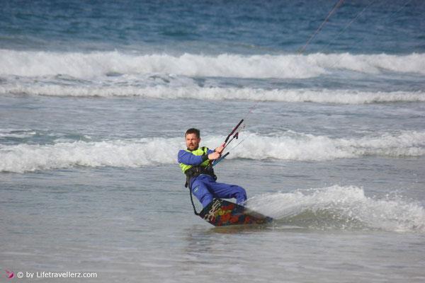 Kitesurfen in Tarifa am Stadtstrand und Campo de Futbol