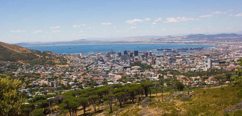 Kapstadt vom Fuß des Tafelbergs