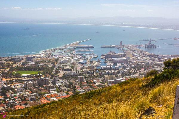 Kapstadt in Südafrika von oben by Lifetravellerz