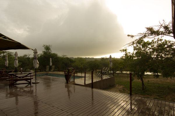 Cheetah Paw Eco Lodge im Regen