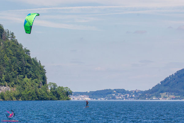 Hydrofoiler am Traunsee mit Naish Fly