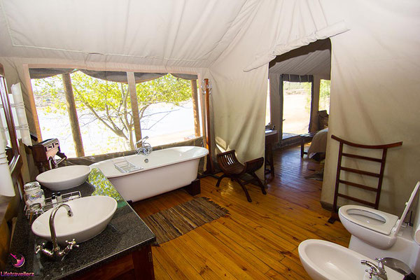 Buffelsdrift Game Lodge in Oudtshoorn
