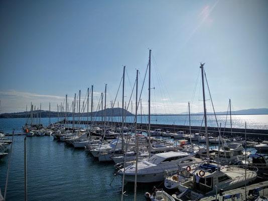 Segelboote in Talamone in der italienischen Toskana