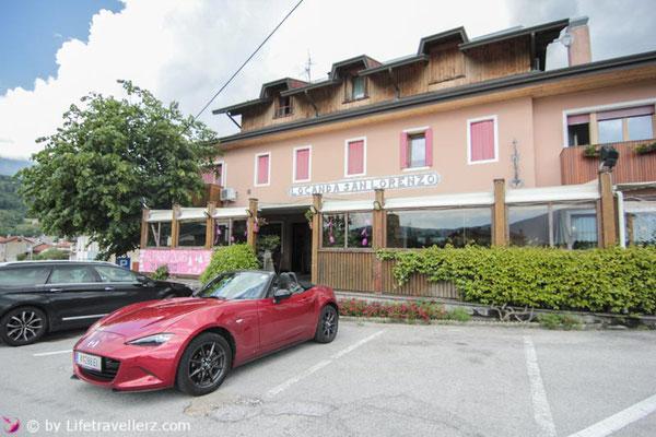 Roadtrip, Roadster, Mazda MX5, Italien, Veneto, Lago di Santa Croce, Locanda San Lorenzo, Lifetravellerz