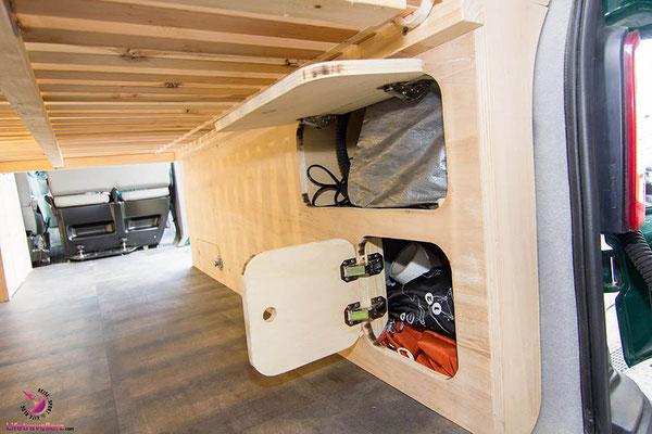 VW T5 Bus Ausbau Möbelbau - Beifahrerseite Unterschrank
