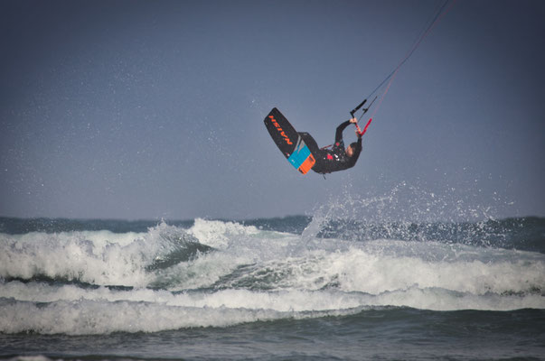 4x4 Roadtrip durch Südafrika - Kitesurfen am Nahoon Beach