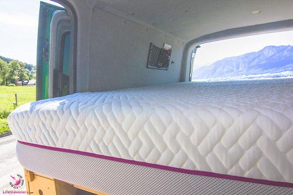 VW T5 Bus Ausbau Die richtige Matratze im VW Bus