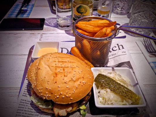 Burger im Calouba Californian Restaurant in Thalgau