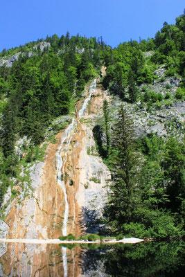 Wasserfall am Toplitzsee im Salzkammergut