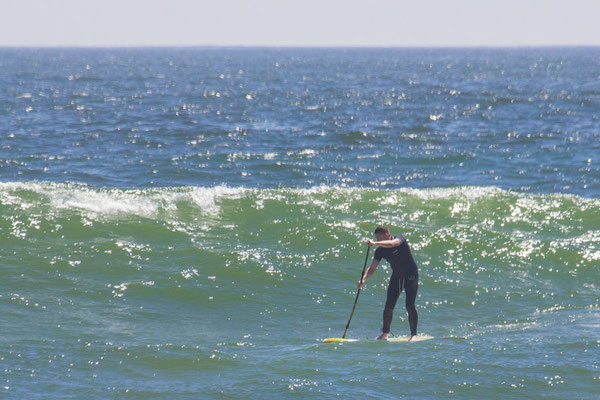 Stand Up Paddling in der Welle - Wave SUPen lernen
