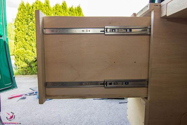VW T5 Bus Ausbau Möbelbau - Beifahrerseite Ausziehlade