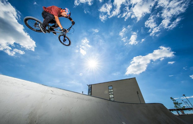 (c) Lukas Prudky - BMXer in derHalfpipe