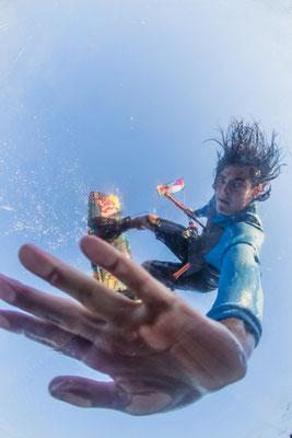 (c) Lukas Prudky - Kitesurfer von unten