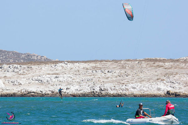 Kitefoilen in Langebaan Mainbeach
