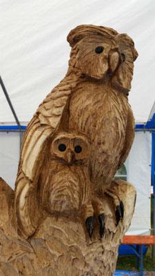 Eulenstamm - Schnitzen mit der Kettensäge - Allgäu-Carving by Martina Gast
