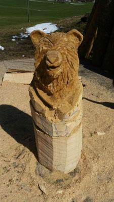 Bär - Schnitzen mit der Kettensäge - Allgäu-Carving by Martina Gast