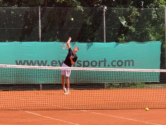 Felix Nepf unterlag mit 2:6, 2:6 nach guten Spiel