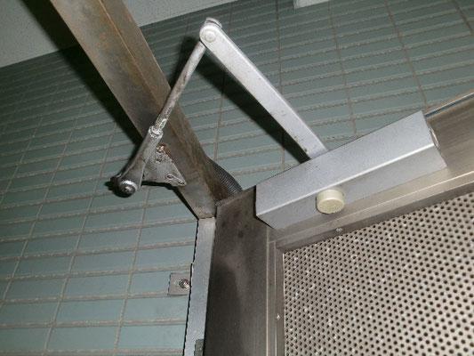駐輪場非常ドア修理@菱和パレス高輪TOWER/株式会社クレアスコミュニティー