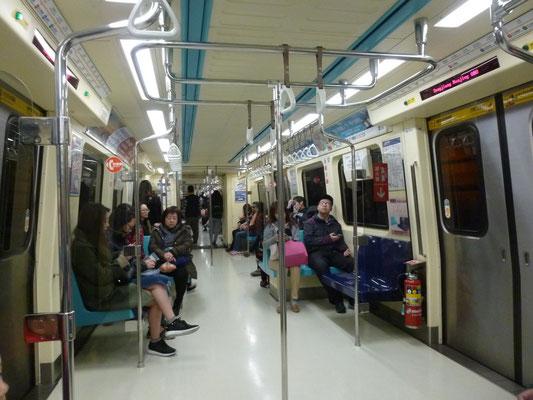 dans le métro, hypezr propre