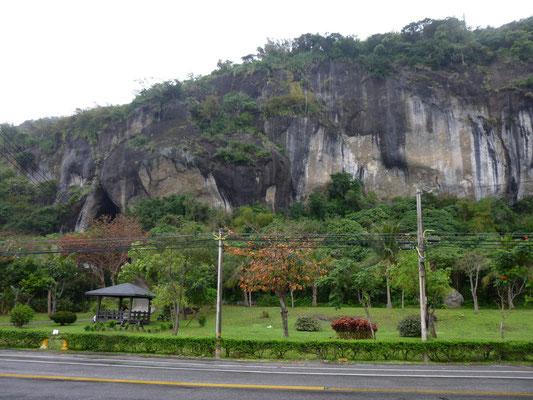 falaises et grottes de Baxian