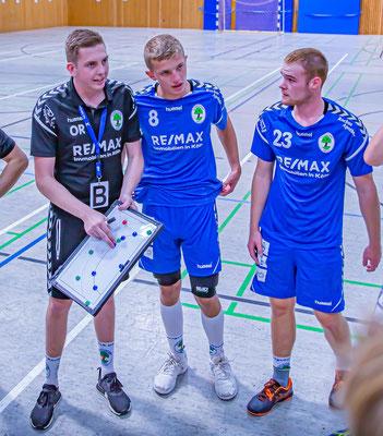 Ole Romberg muss auf die Linkshänder Kari Klebinger (8) und Christoph Mertes (23) verzichten. Foto: Thomas Schmidt