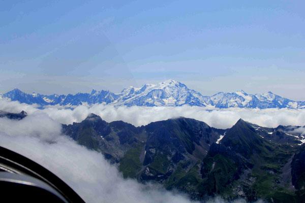 Les Aravis et le Mont-blanc