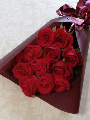 PB26 赤薔薇12本 ダズンローズ