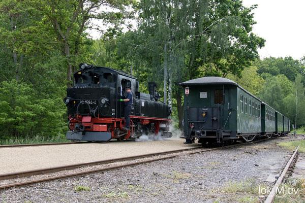 99 1584-4 bei der Zugumfahrung in Kemmlitz