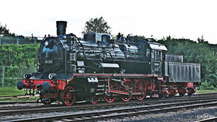 38 205 (ehemals sächs. XII H2) im Sächsischen Eisenbahnmuseum Chemnitz 08/2017
