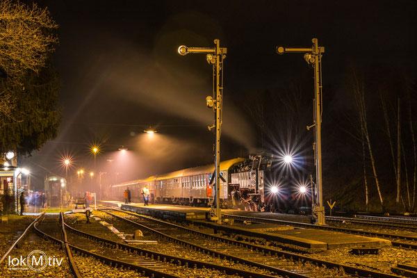 86 1333-3 ist Tender voraus unterwegs von Annaberg nach Gera Hbf (12/2019)