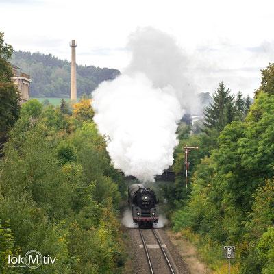 01 1518-8 verlässt Pößnitz in Richtung Gera (10/2019)