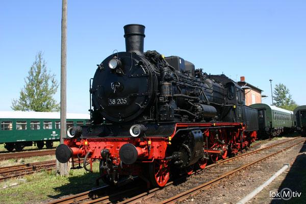 38 205 (ehemals sächs. XII H2) im Sächsischen Eisenbahnmuseum Chemnitz 08/2011