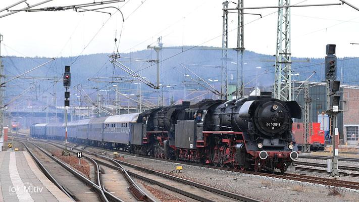 44.1486 und 44.546mit einem Sonderzug der Eisenbahnromantik in Saalfeld 02/2017