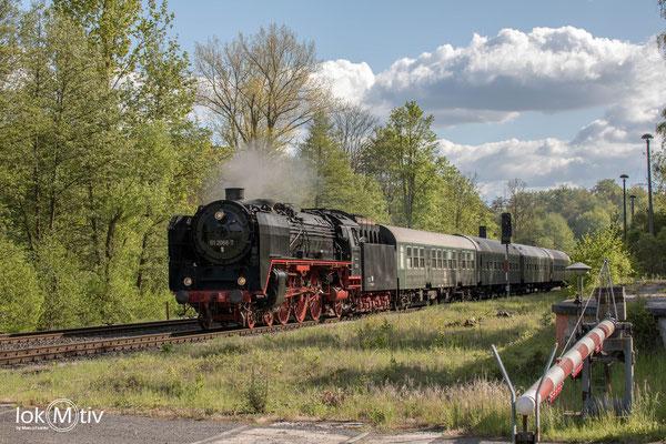01 2118-6 rollt in Oberrohn ein (05/2019)