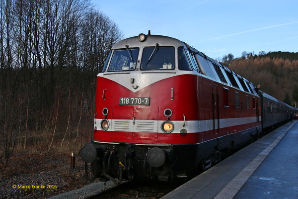 118 770-7 in Annaberg-Buchholz unt. Bhf. (12/2016)