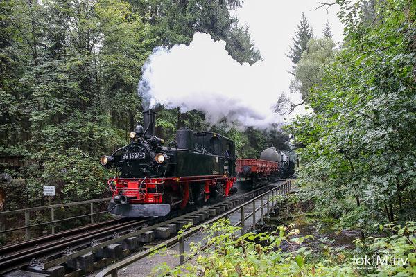 99 1594 auf der Brücke über die Preßnitz hinter dem Hp Stolln