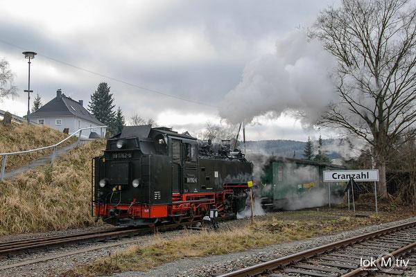 99 1562-6 kommt aus Oberwiesenthal zurück und hat Einfahrt in Cranzahl