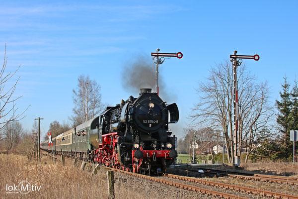 52 8154-8 in Großvoigtsberg nach Nossen (04/2018)