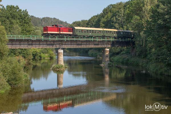 110 101-3 auf der Zschopaubrücke in Braunsdorf (08/2019)