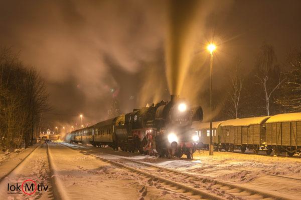 52 8154-8 in Schlettau auf der Rückfahrt nach Leipzig (12/2018)