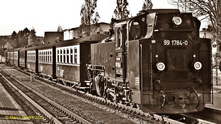 99 1784-0 bereits zur Abfahrt nach Göhren in Binz (04/2015)