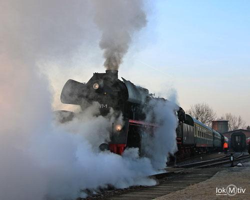 35 1097-1 im Eisenbahnmuseum Leipzig am frühen Morgen 03/2018