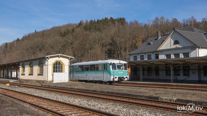 772 312-5 verlässt den Bahnhof Adorf (Vogtl.) nach Zwotental (02/2019)