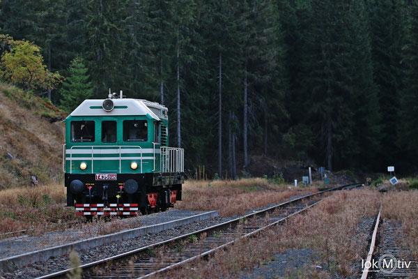 T435 0145 hat sich vom Zug gelöst und gibt die Strecke für den Zug frei
