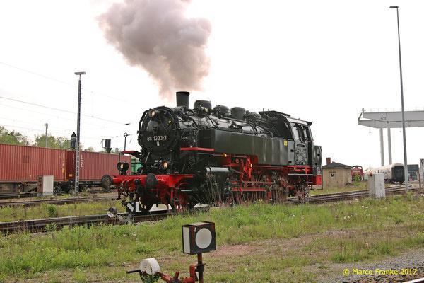 86 1333 rangiert im Güterbahnhof Glauchau