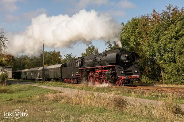 01 1518-8 bei Neustadt / Orla in Richtung Triptis (10/2019)