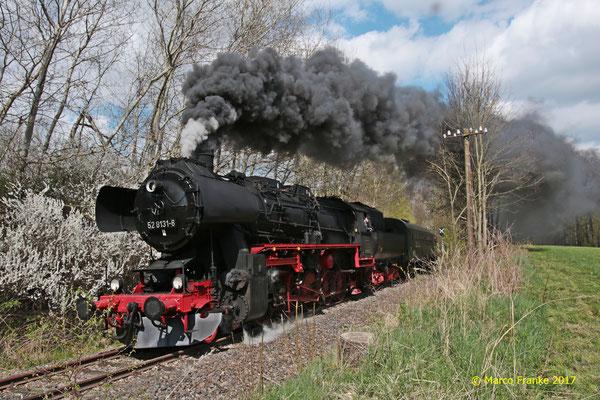 52 8131-6 auf der Zellwaldbahn nach Freiberg (04/2017)